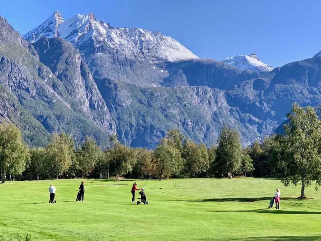 гольф в Норвегии от Uniktur