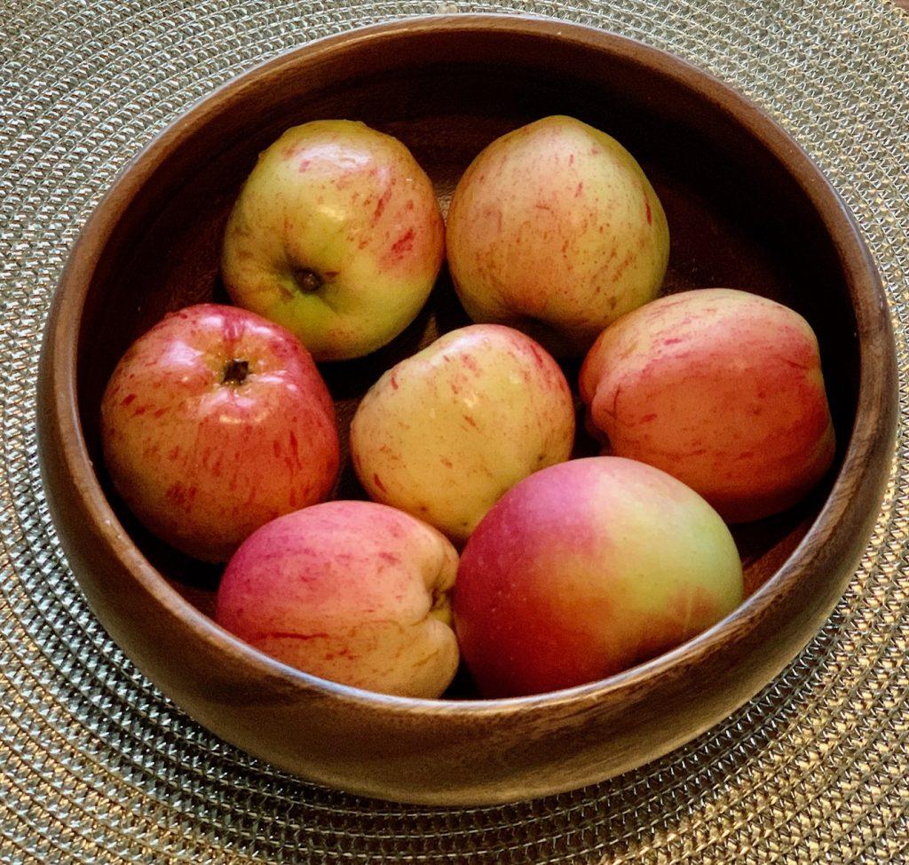 яблоки для традиционного норвежского яблочного пирога/блог Uniktur