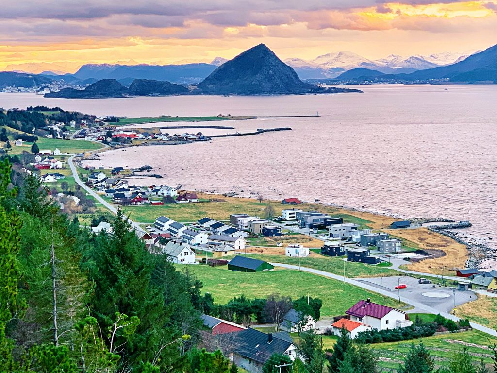 панорамный вид на розовый остров/мистика Uniktur