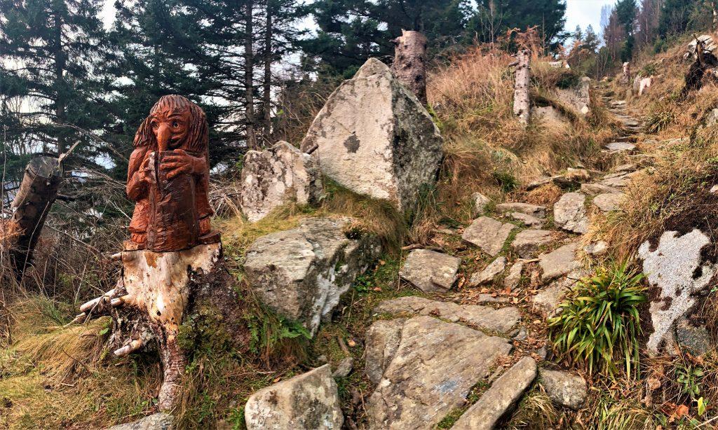 мистическая фигурка ведьмы в уникальном маршруте Uniktur